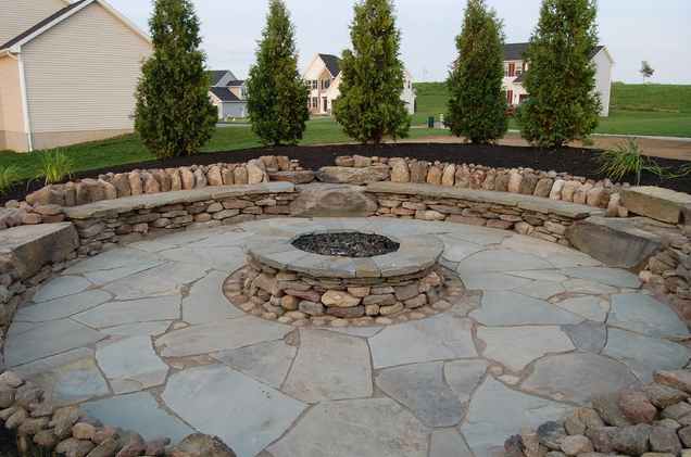 20+ Best Stone Patio Ideas for Your Backyard - runtedrun on Backyard Masonry Ideas id=96976