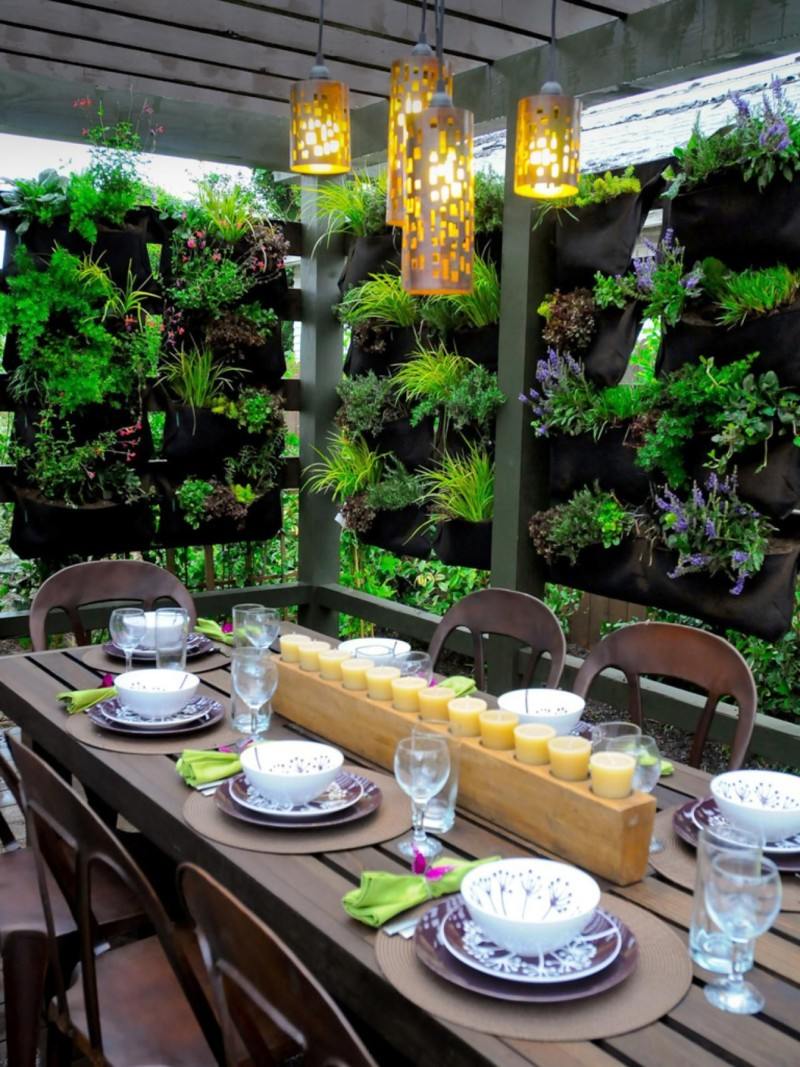 vertical garden privacy