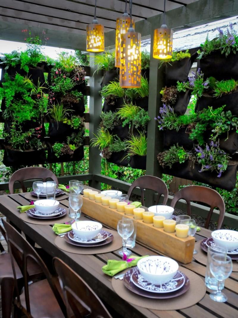 vertical garden privacy