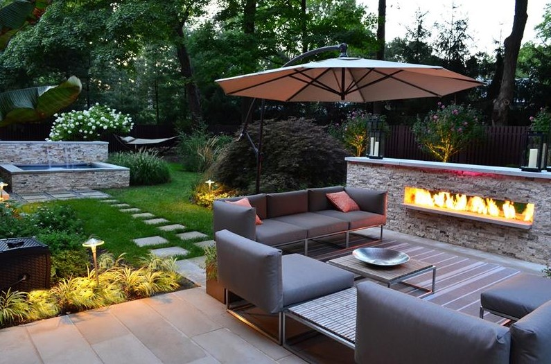 beautiful backyard for contemporary style