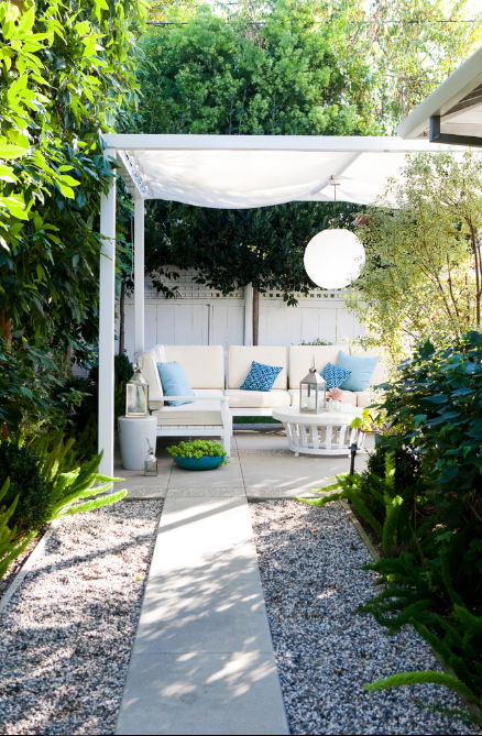 fresh-and-clean-traditional-patio-los-angeles