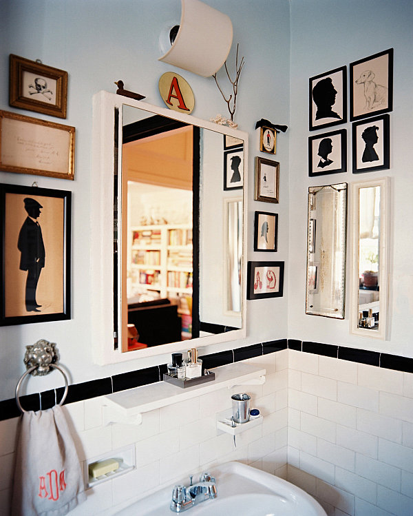 Good Art Piece Filled Bathroom With Badezimmer Vintage Style