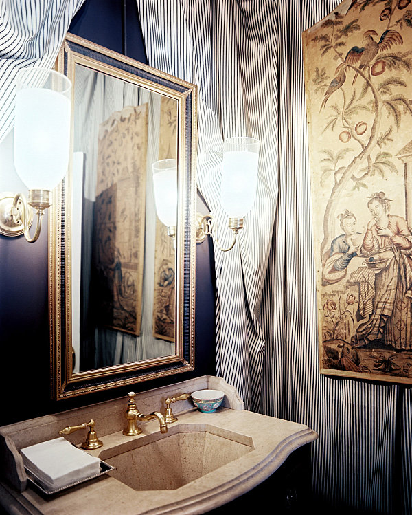 Tent detailing in a traditional bathroom