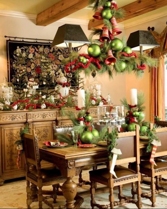 beautiful dining room in christmas
