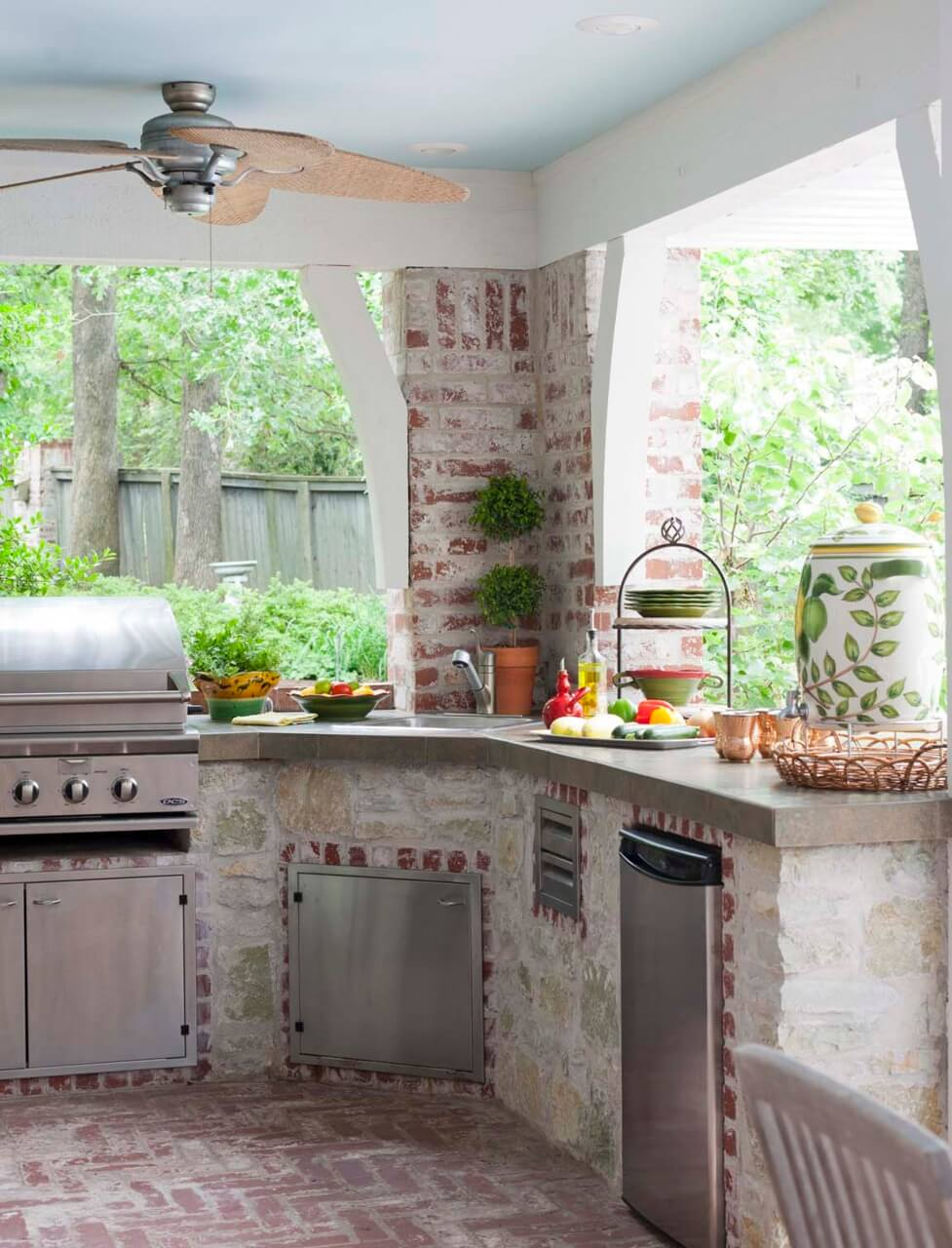 50+ Exquisite Outdoor Kitchen Ideas for Perfect Family Gathering ...