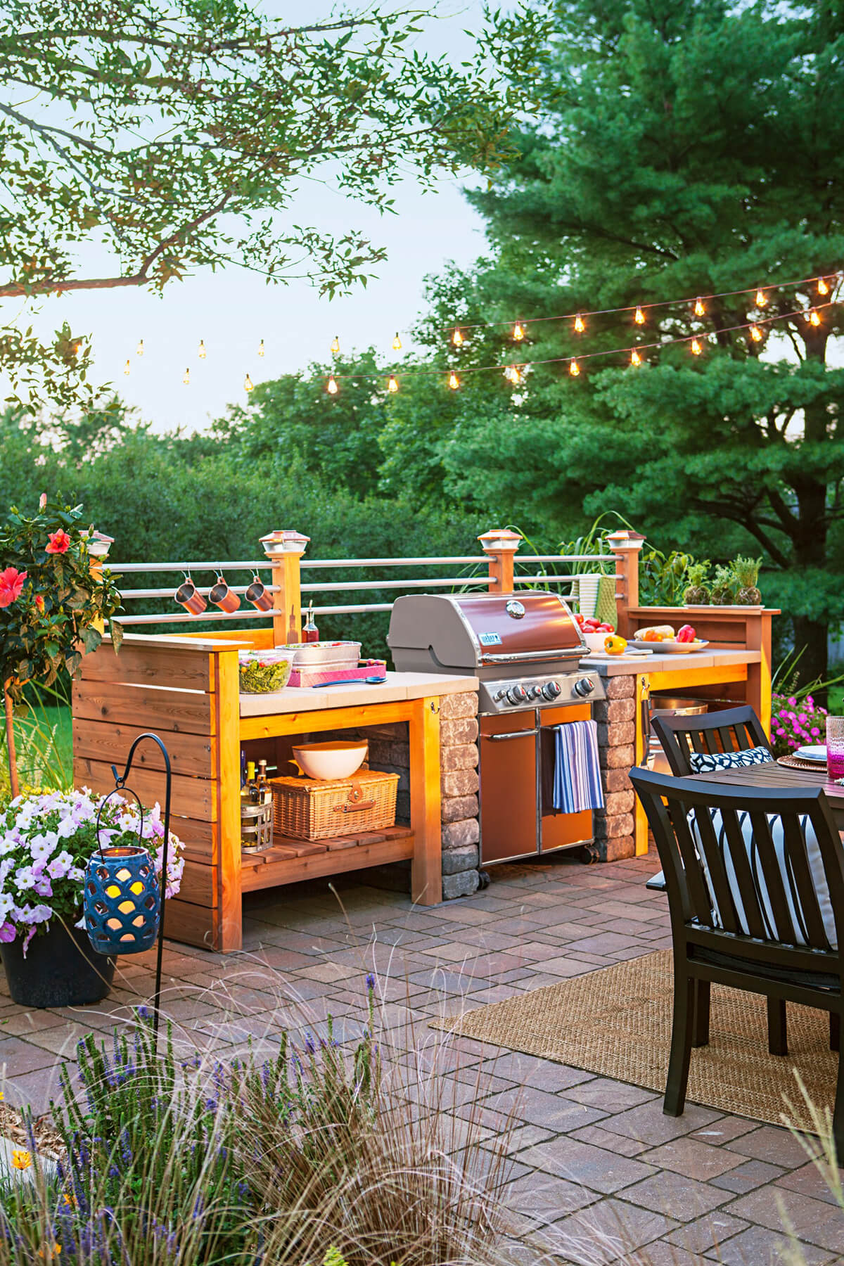 Outdoor Kitchen Ideas for Perfect Family Gathering 16