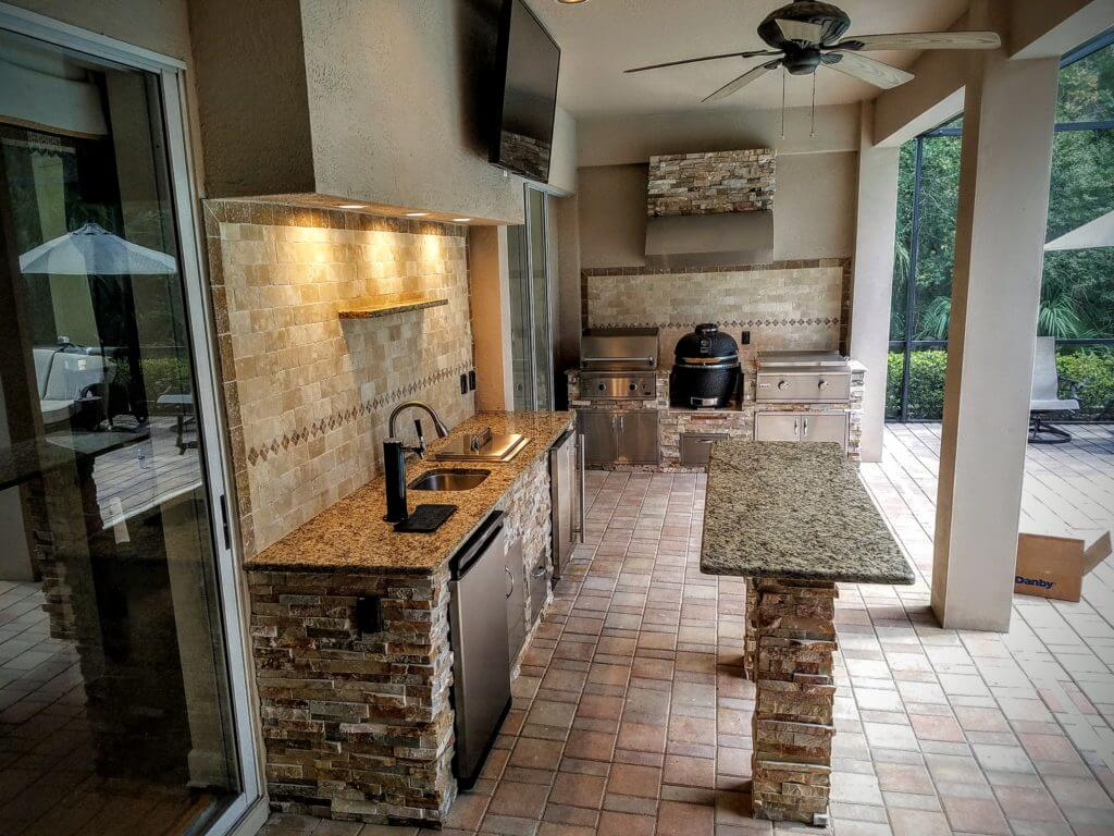 Outdoor Kitchen Ideas for Perfect Family Gathering 22