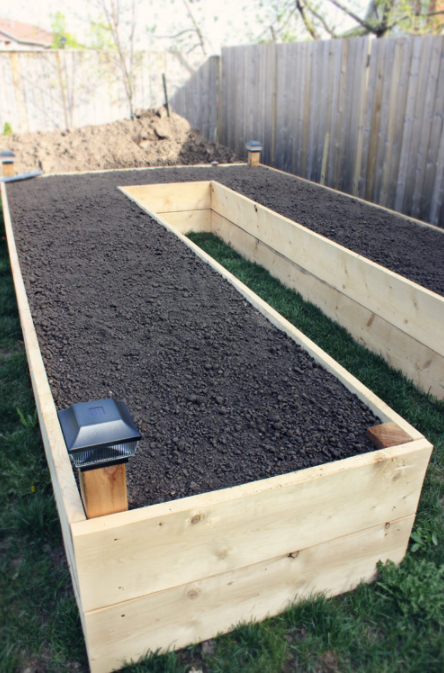 DIY U-shaped Raised Garden Beds