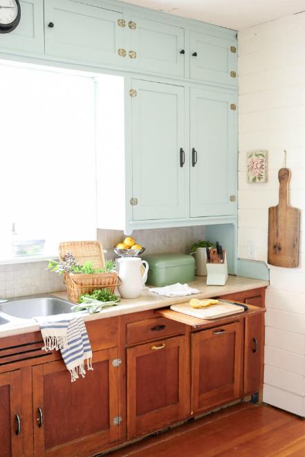 Vintage Kitchen - Baby Blue Top, Natural Bottom