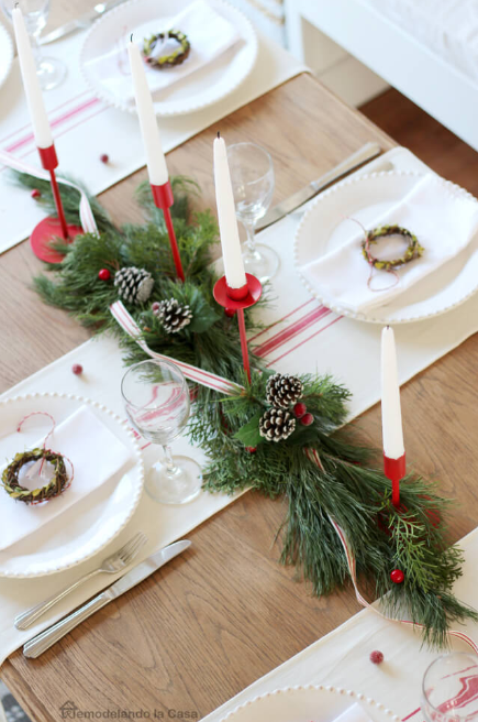 Tiny Wreaths Adorn White Napkins