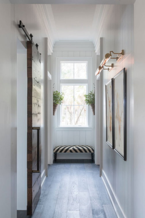 FARMHOUSE CHIC - Hallway Ideas
