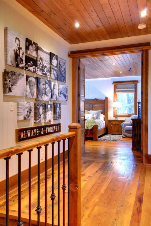 RUSTIC FAMILY GALLERY - Hallway Ideas