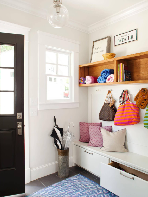 Simple And Modern Mudroom Ideas