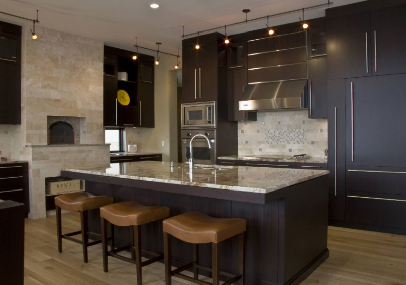 DARK & RICH KITCHEN ISLAND